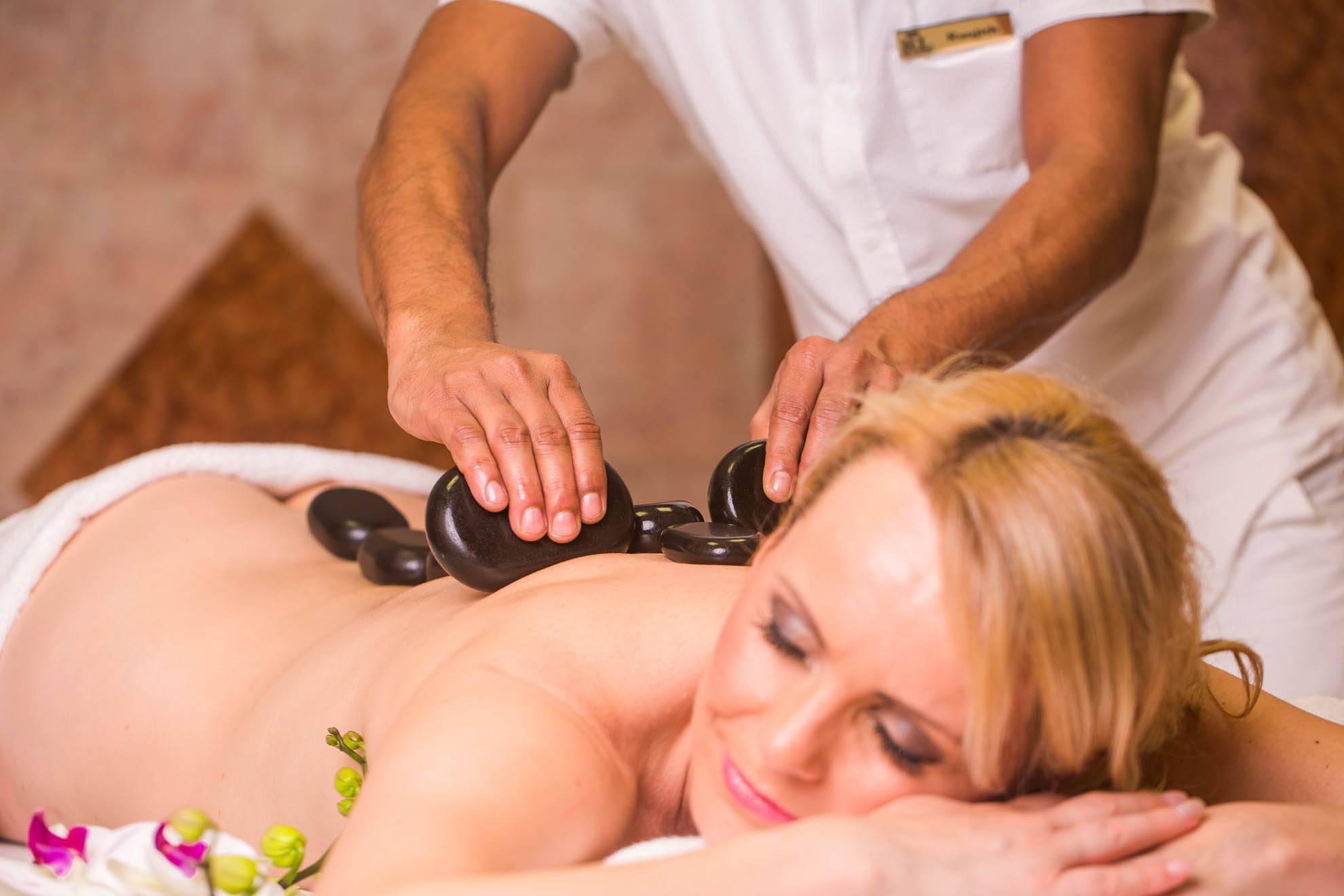Секс принудительный на массаже, Порно видео с массажем, делает массаж парню 26 фотография